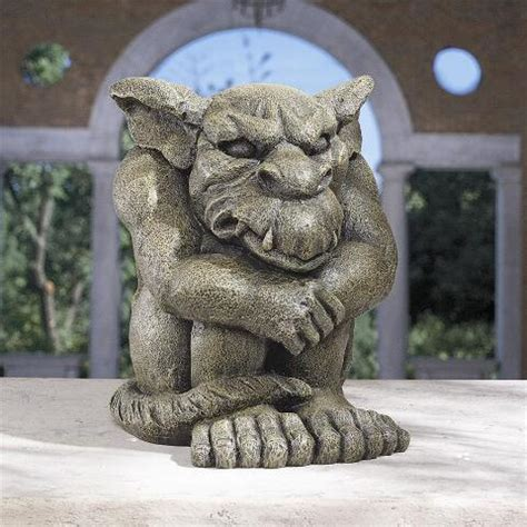 detest  rest gargoyle statue cl design toscano