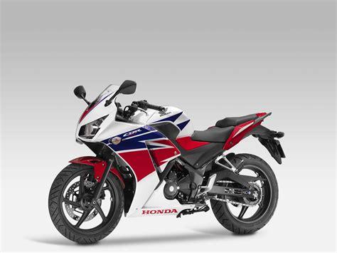 Honda Motorrad 300 by 2014 Honda Cbr300r Replaces The Cbr250r Autoevolution
