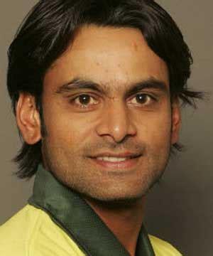 Mohammad Hafeez Biography | 3rd odi new zealand vs pakistan hafeez helps pakistan