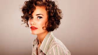 How To Style Short Curly Hair » Home Design 2017