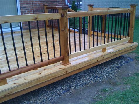 Wood and metal deck railing home design ideas