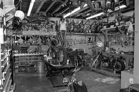 Motorrad Garage Shop by Pin Up Motorcycle Garage Cool Workshops