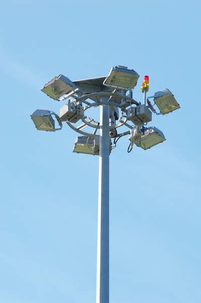 lade e proiettori lade per torri faro cml la qualit 224 sostiene la luce