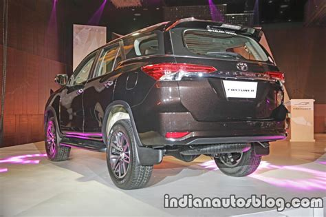 Murah Garnish Crrom Stopl Fortuner 2016 toyota fortuner launched in india at inr 25 92 lakhs