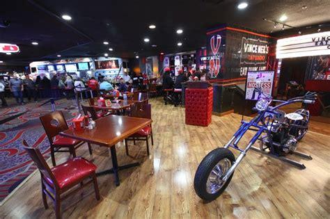 vince neil s tatuado eat drink party restaurant opens at
