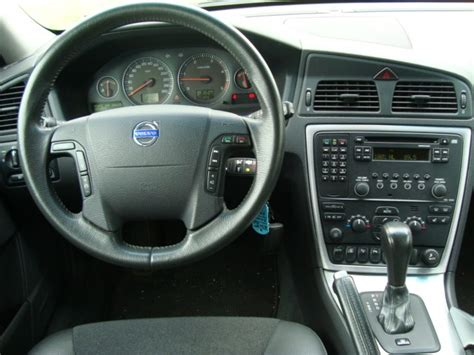 car maintenance manuals 2011 volvo c30 instrument cluster service manual remove the dash in a 2011 volvo xc70