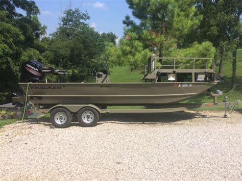tracker grizzly boats 2072 2016 tracker grizzly sportsman 2072 bowfishing boat