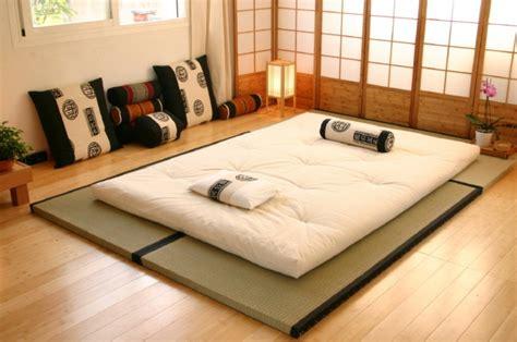 Futon Et Tatami by Lit Futon Pour Une Chambre 224 Coucher De Style Japonais