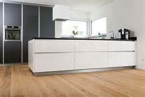 leicht küchen arbeitsplatten de pumpink modeillustrationen