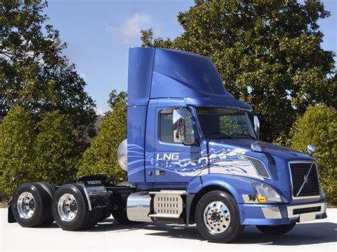 volvo rigs for 2013 volvo vnl 300 lng semi tractor rig rigs truck