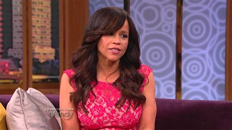does rosie perez wear a wear rosie perez view wearing wig rosie perez in quot fish in