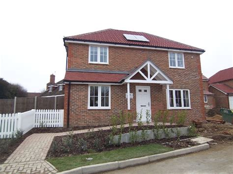 3 Bedroom House Kent 3 Bedroom House For Sale In Franklin Drive Grove Green
