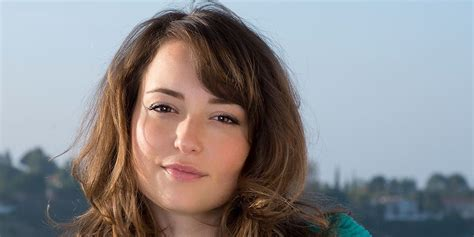 commercial actress salary milana vayntrub net worth salary income assets in 2018