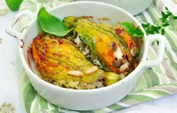 fiori di zucca ripieni vegetariani fiori di zucca ripieni al forno ricette chiarapallotti