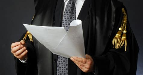 l avvocato d ufficio si paga avvocati d ufficio paga il fisco il sole 24 ore
