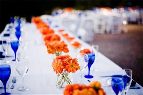 table setting inspiration via altamodabridal the merry