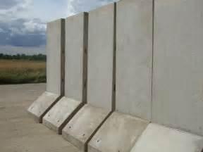 installation precast retaining walls