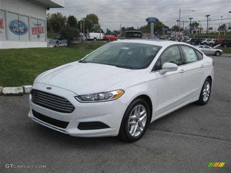 Ford Fusion 2013 Se by Oxford White 2013 Ford Fusion Se Exterior Photo 72150603
