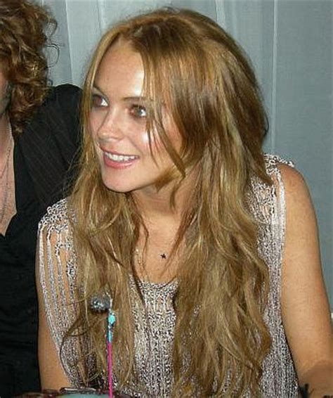 lindsay lohan with medium ash blonde hair very long and curly source hairstyles7 net lindsay lohan dark blonde hair my new hair