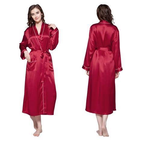 robe de chambre longue en soie bordure contraste