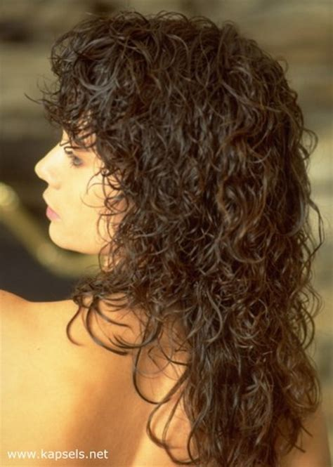 old fashion gypsy shag hairstylegalleries com curly medium length gypsy haircut style lang krullend haar