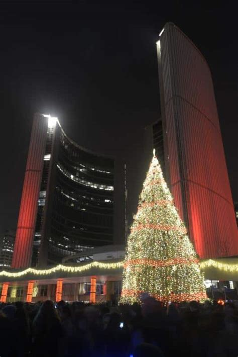 nathan phillips square tree cavalcade of lights toronto 2016