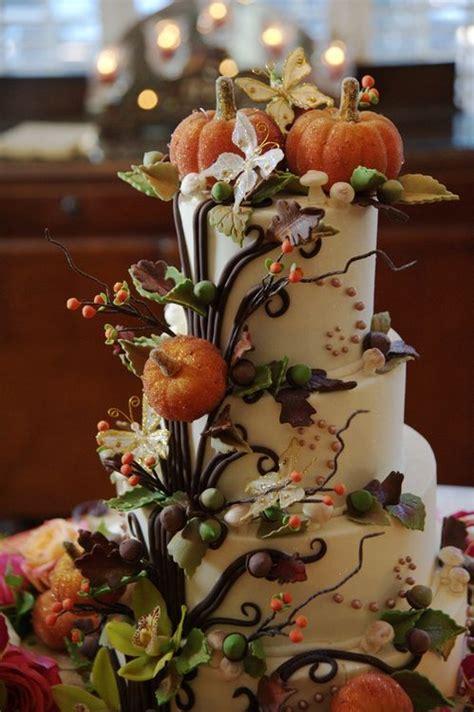 autumn wedding cake loving