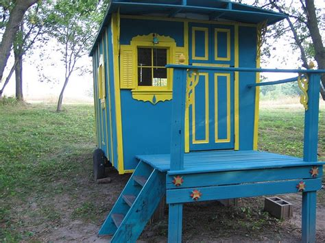 Yellow Shed Paint by 41 Best Images About Garden On Gardens Brick