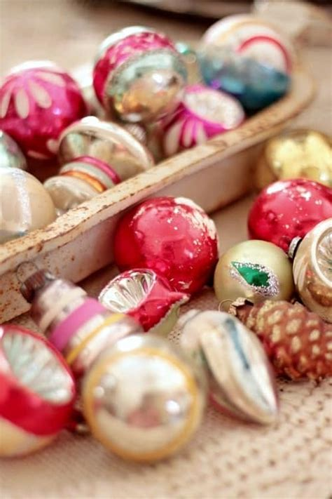 shiny bright christmas ideas vintage shiny brite ornaments ideas on how to decorate with them on ducttapeanddenim