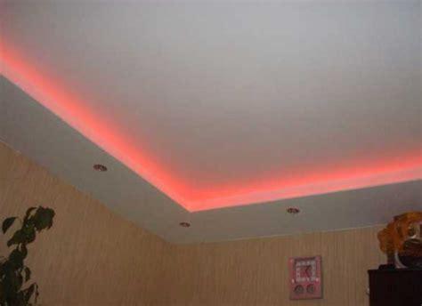cat plafon warna pink desain rumah unik