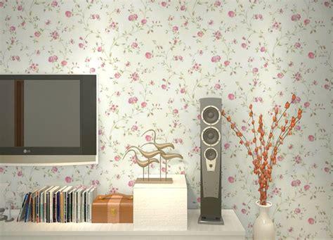 wallpaper dinding ruang tamu sempit elegan rumah impian