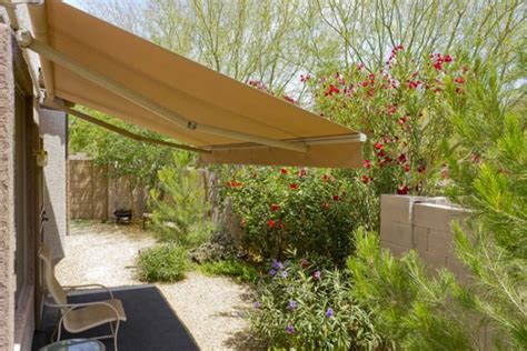 pros and cons of retractable awnings build