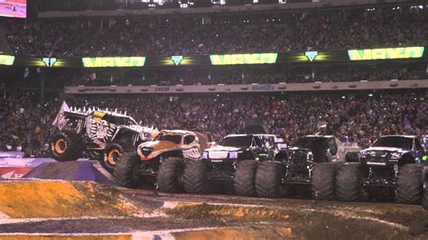 truck metlife stadium max d jumps six jam trucks in metlife stadium