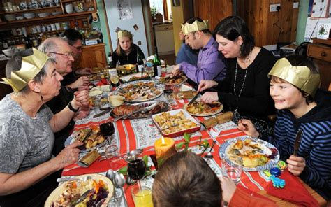 what to eat for christmas dinner you don t to be with your family this if you don t want to