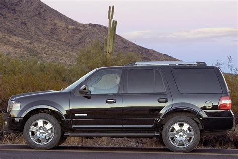 how it works cars 2007 ford expedition el engine control 2007 ford expedition overview cars com