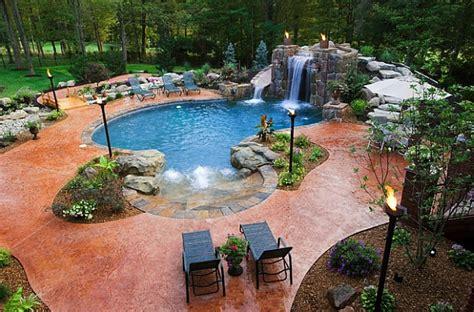 Garten Mit Wasserfall 263 by Outdoor Beleuchtung Ideen Tiki Fackeln Erhellen Ihre