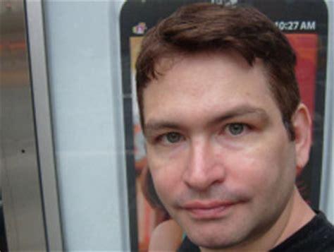 jonah falcon fue detenido en el aeropuerto de san francisco cuando pene de 34 cms taringa