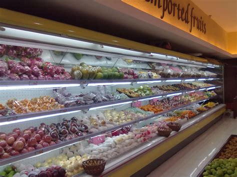 Lemari Es Minuman Dingin supermarket terbuka depan minuman dingin lemari es layar