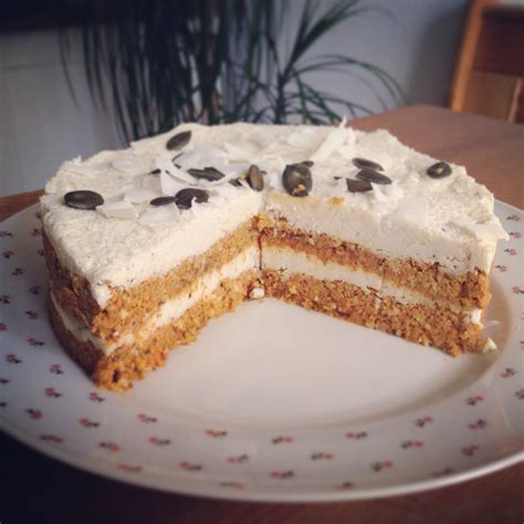 kuchen mit kokos karotten kuchen mit kokos zitronen frosting vegane rezepte