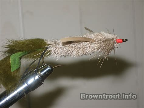 mouse pattern brown trout tying a deer hair mouse pattern for fly fishing for large