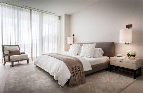 chambre blanc et taupe chambre taupe pour un d 233 cor romantique et 233 l 233 gant