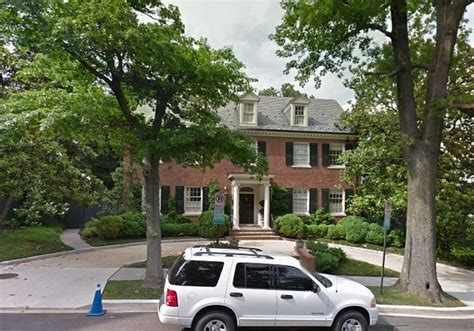 clinton houses from tower to clinton s compound the homes of the 2016 presidential candidates zero hedge