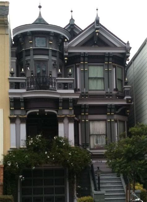 gothic victorian house pin by ana mendivil on casas mansiones pinterest
