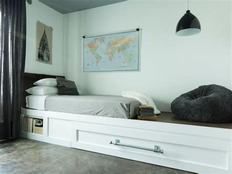 how to make a trundle bed how to build a trundle bed hgtv