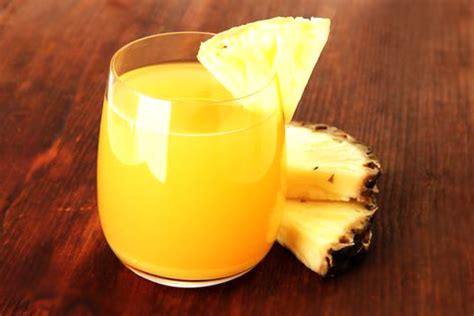 ricetta centrifugato depurativo ananas mele e sedano