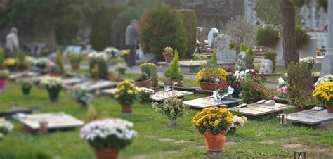 spedire fiori all estero interflora significato festa dei morti 2 novembre frasi motivo