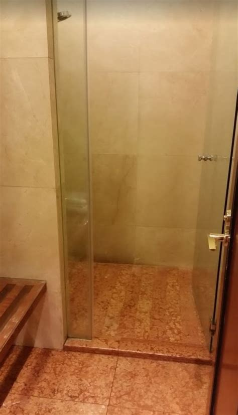 Showers In Singapore Airport by Review Emirates Singapore Airport Lounge Points With A