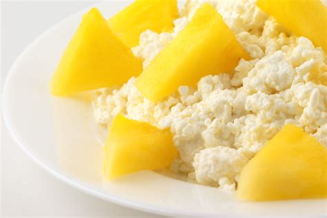 cottage cheese and pineapple 11 energizing pre workout snacks
