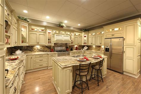 kitchen cabinets the best choice the decoras