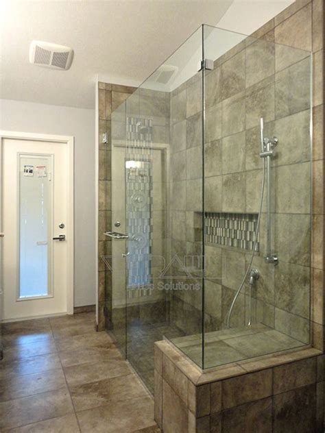 Shower Doors Greenville Sc by 1000 Ideas About Frameless Shower Enclosures On